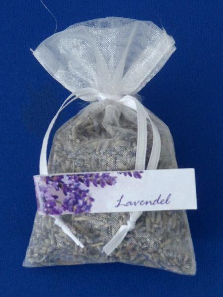 Lavendelblüten im Organzasäckchen