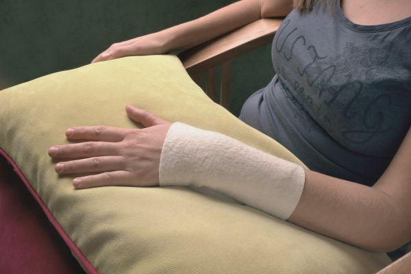 Woll-fühl® Gelenkwickel - Hand